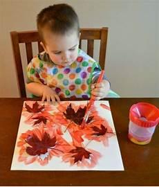 与孩子们的秋季工艺品的鼓舞人心的想法