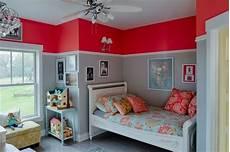 Beruhigende Farben Kinderzimmer - kinderzimmer wandfarbe rot hellgrau bordure colors