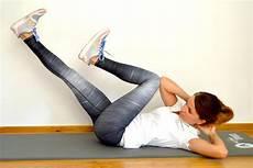 übungen gegen hüftspeck fitness 220 bungen 9 220 bungen gegen h 252 ftspeck so schmelzen
