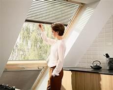 velux dachfenster streichen wie und wann streicht dachfenster
