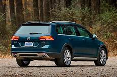 2019 volkswagen golf alltrack receives optional manual for all trims carbuzz