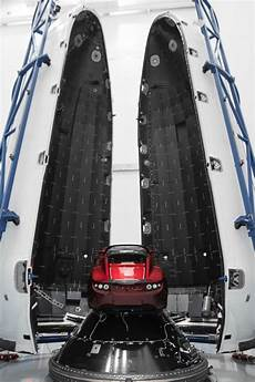falcon heavy tesla spacex receives launch license for falcon heavy