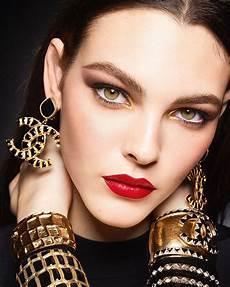 Tutorial 2 Gaya Makeup Glamor Untuk Pesta