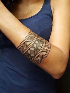armband bedeutung pin on tattoos