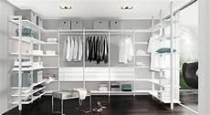 regalsystem kleiderschrank begehbarer kleiderschrank regalsystem ankleidezimmer