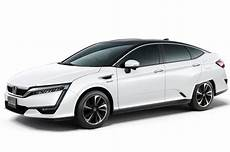 2017 Honda Clarity Fuel Cell Drive Review Motor Trend