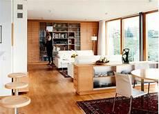 wohn und esszimmer holzwand im wohnzimmer aus einbauschr 228 nken sch 214 ner wohnen