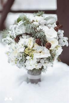 20 chic wedding bouquets ideas for winter brides