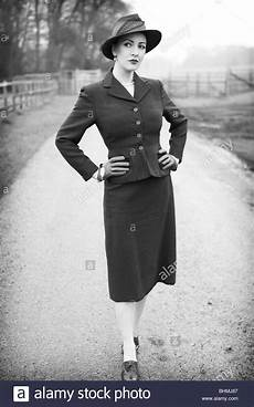 40er jahre mode 1940s fashion stock photos 1940s fashion stock images