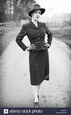 40er jahre mode 1940s fashion stock photos 1940s fashion stock images
