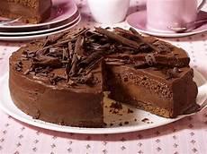 billige kuchen schokoladentorte kreationen mit zartem schmelz taarten