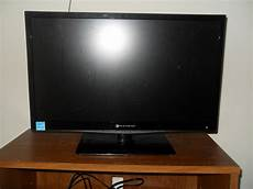 element tv moving sale 24 quot flat screen element tv 100