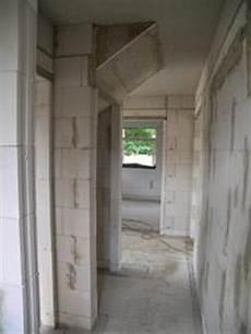 abstellraum unter treppe bauunternehmung bauunternehmer bautr 228 ger massivbau