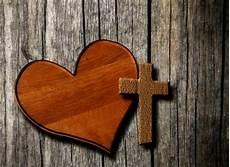 Tuhan Melihat Hati Pepak Pusat Elektronik Pelayanan