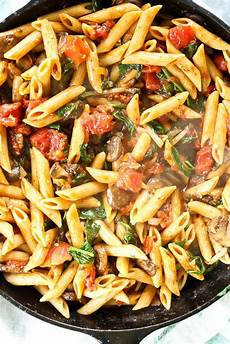 whole wheat penne with mushrooms spinach and tomatoes