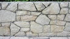 textur einer mauer aus steinen cc content