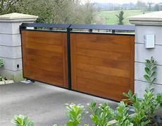 portail en bois prix portail bois budget maison