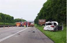A 81 Bei Ludwigsburg Sperrung Nach Schwerem Unfall