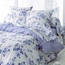 drap housse satin de coton drap housse satin de coton 160 cm blossom bleu linge de lit eminza