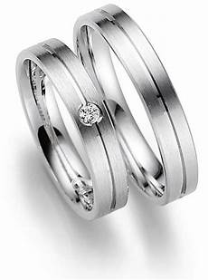 wedding rings germany finger what does a non golden ring the right ring finger