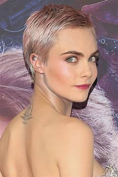 Daily Buzz Cara Delevingne S Pink Pixie Instyle