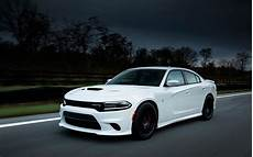 2020 dodge charger srt cargo space change update rumors