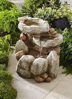 Garten Springbrunnen Aus Stein - solarbrunnen smartsolar rock fall brunnen zierbrunnen