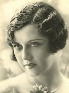 1920s fashion womens dress and style glamourdaze