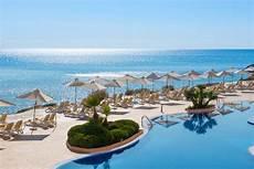 Menorca Hotels Direkt Am Strand - gorgeous european hotels with their own tubs