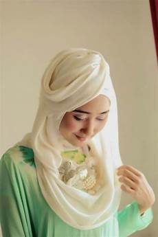 Cara Memakai Jilbab Ala Dian Pelangi Yang Mudah Insyaf
