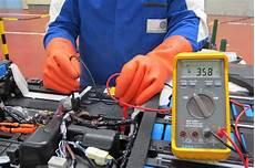 le sur batterie benefits of hiring best electricians companies