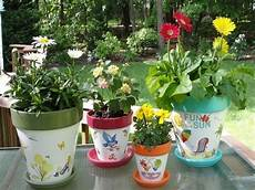 vasi colorati per piante vasi di plastica vasi realizzare e decorare vasi di
