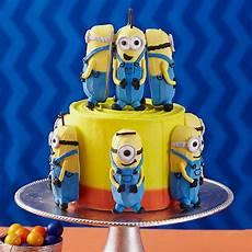 minions meet at the cake wilton