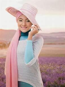 Foto Model Jilbab Cantik Jelita Artis Marshanda Terbaru