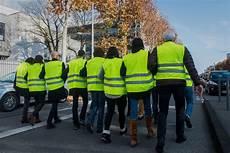que risquent les 171 gilets jaunes 187 en manifestant le 17