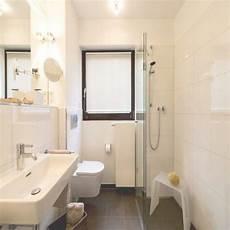 Badezimmer Wc Und Dusche Auf Kleinem Raum Kleines Duschbad