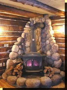 great for a burning stove for heat love the stone around it diy ideas hogar casas