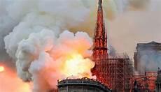 Dilalap Api Inilah Kisah Gereja Notre Dame Yang Dulu Jadi