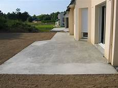 Terrasse Aus Beton - couler une dalle terrasse b 233 ton bricobistro