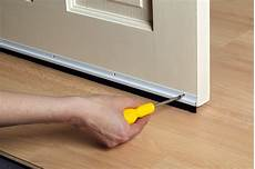 calfeutrer une porte 10 ways to bug proof your home