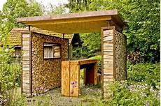 Holzstapel Am Haus - totholz holzstapel holzsto 223 holzstoss naturgarten wildlife