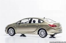 Opel Astra J Limousine Hahlmodelle De