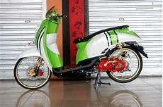 Modif Scoopy Minimalis by 50 Gambar Modifikasi Honda Scoopy Gaya Road Race