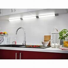 eclairage led pour cuisine r 233 glette 224 fixer triangle led int 233 gr 233 e 55 cm inspire 6