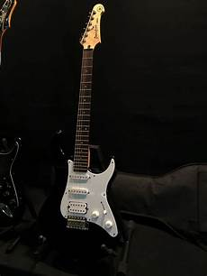 3 guitars yamaha pacifica strat style electric guitar