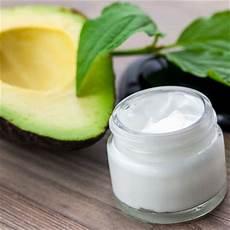 lippenpflege kakaobutter selber machen gesichtscreme mit avocado selber machen rezept und anleitung