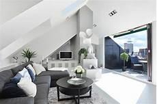 wohnzimmer einrichtung ideen raum mit dachschr 228 ge