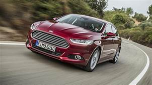 First Drive Ford Mondeo 15 EcoBoost Zetec 5dr 2014 2015