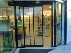 porte automatique magasin porte automatique t 233 lescopique 224 2 vantaux install 233 e dans