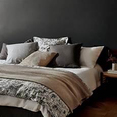 copriletto zara home il lino d estate la bellezza della da letto